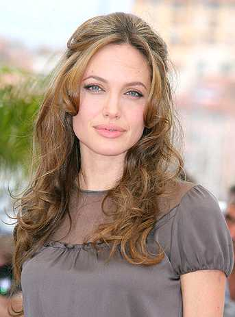 Анджелина Джоли без макияжа - 30 Марта 2008 - СЕРФ